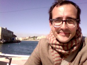 Me, happy, waiting for the ferry between Valletta and Sliema, not thinking about P3s even a little bit.